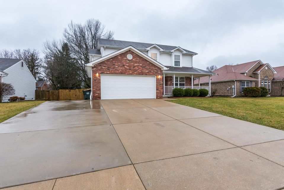 Single Family Home for Sale at 10012 Spruce Grove Drive 10012 Spruce Grove Drive Jeffersontown, Kentucky 40299 United States