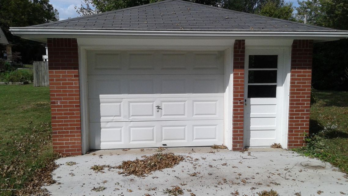 Additional photo for property listing at 4013 Plymouth Road 4013 Plymouth Road Louisville, Kentucky 40207 United States