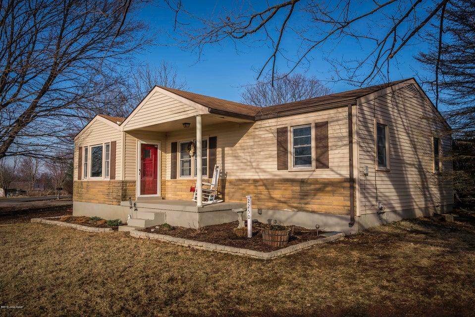 Single Family Home for Sale at 2250 Zoneton Road 2250 Zoneton Road Shepherdsville, Kentucky 40165 United States