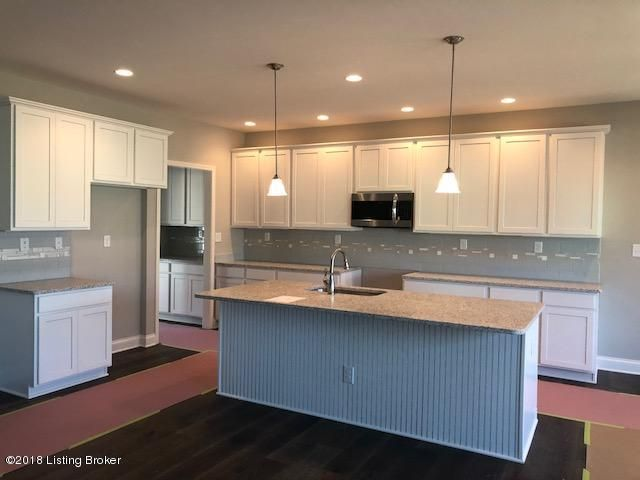 Additional photo for property listing at 18707 Cranbury Court 18707 Cranbury Court Louisville, Kentucky 40245 United States