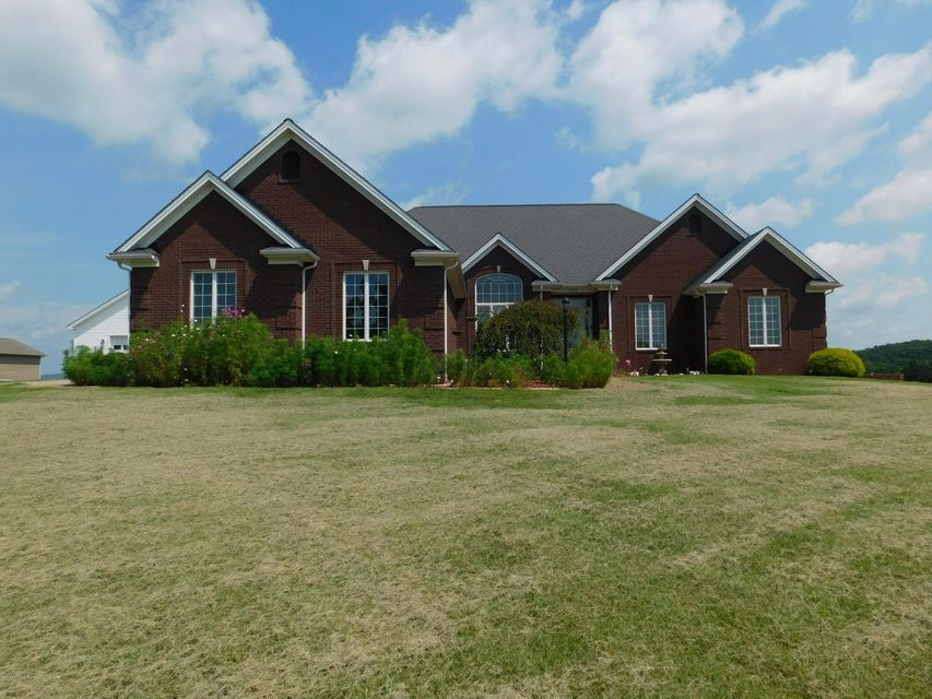 Single Family Home for Sale at 574 Logan Lane 574 Logan Lane Leitchfield, Kentucky 42754 United States