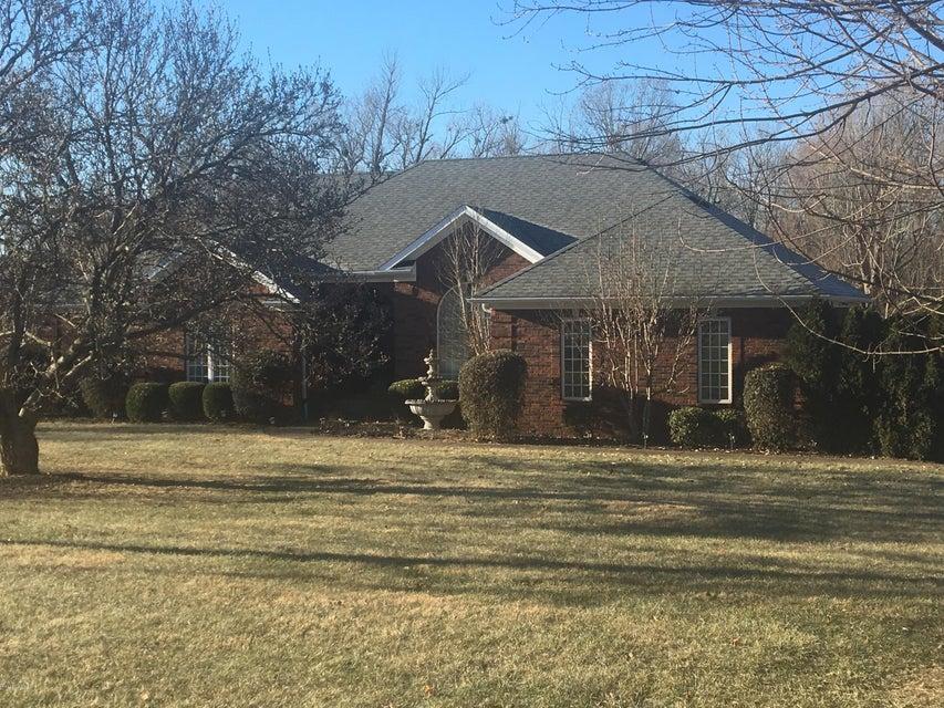 Single Family Home for Sale at 302 Wooldridge Avenue 302 Wooldridge Avenue Pewee Valley, Kentucky 40056 United States