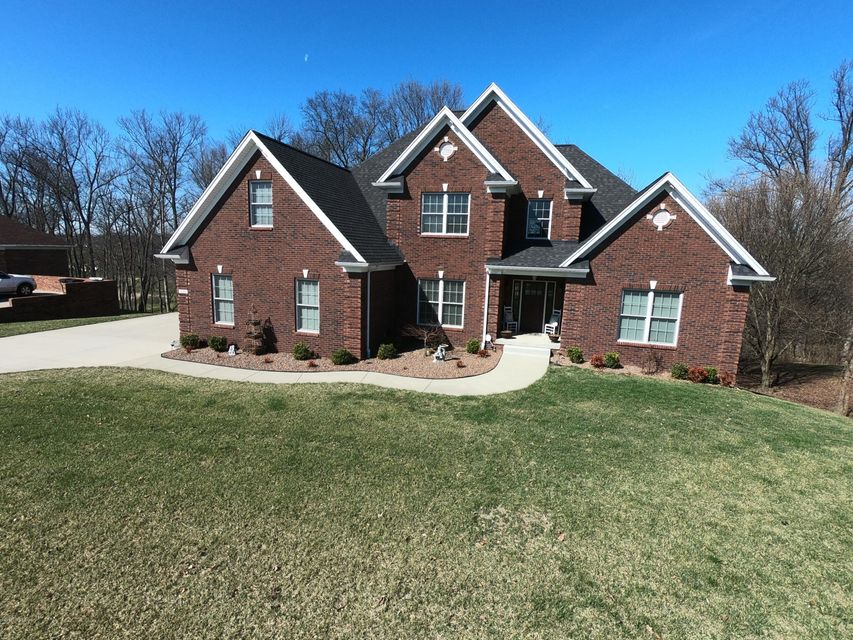 Single Family Home for Sale at 136 Woodhill Road 136 Woodhill Road Bardstown, Kentucky 40004 United States