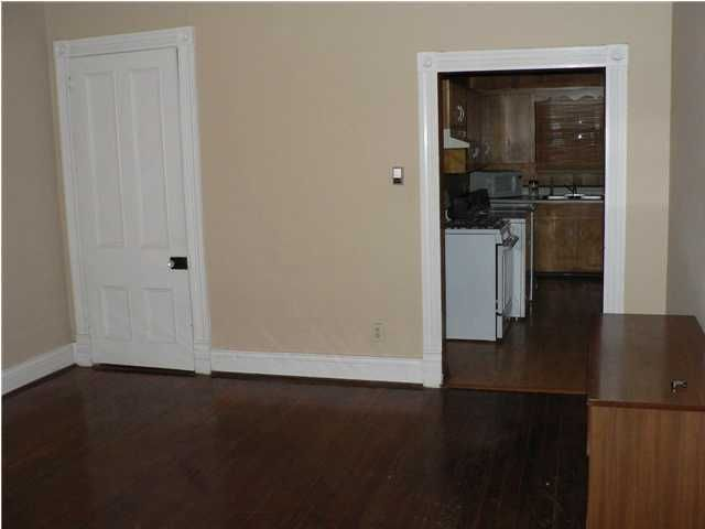 Additional photo for property listing at 826 Mulberry Street 826 Mulberry Street Louisville, Kentucky 40217 United States