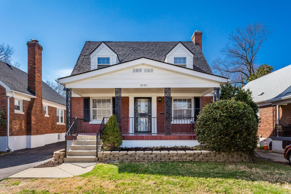 Single Family Home for Sale at 2434 Bradley Avenue 2434 Bradley Avenue Louisville, Kentucky 40217 United States