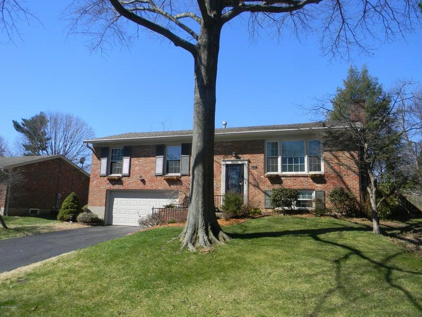 Single Family Home for Sale at 9803 Lanesboro Way 9803 Lanesboro Way Louisville, Kentucky 40242 United States