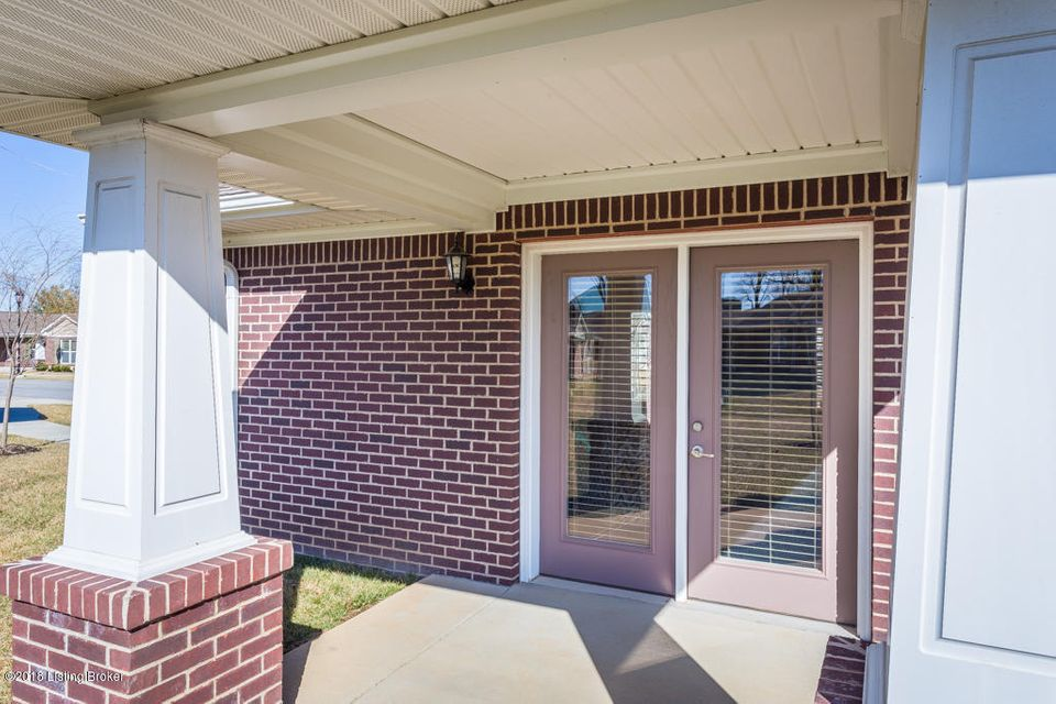 Additional photo for property listing at 12910 Villa Grove Drive 12910 Villa Grove Drive Louisville, Kentucky 40245 United States