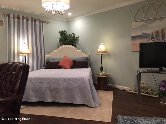 Additional photo for property listing at 9902 Four Seasons Lane 9902 Four Seasons Lane Louisville, Kentucky 40241 United States