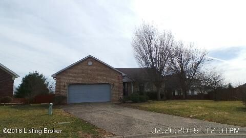 Single Family Home for Sale at 4805 Red Dawn Drive 4805 Red Dawn Drive Louisville, Kentucky 40216 United States