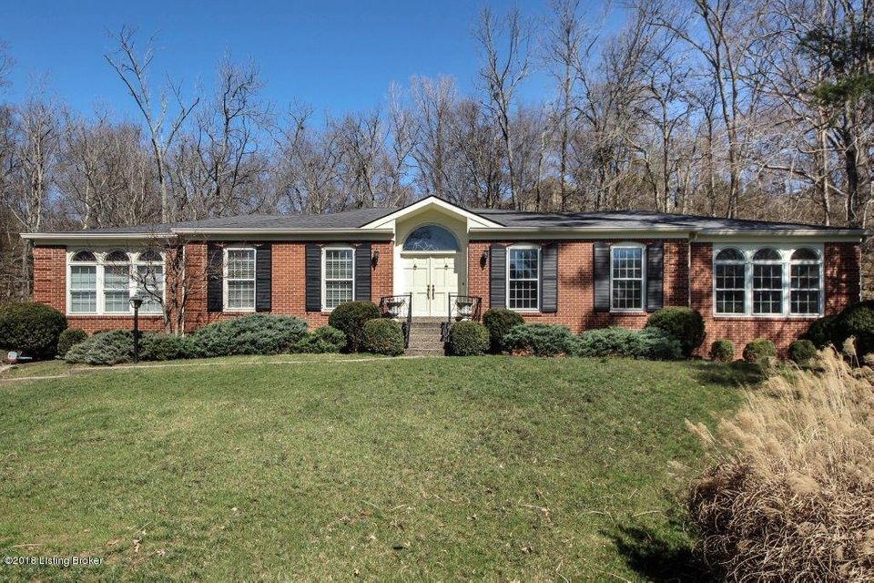 Single Family Home for Sale at 1900 Charbdin Place 1900 Charbdin Place Louisville, Kentucky 40207 United States