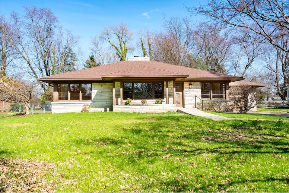 Single Family Home for Sale at 115 Sweetbriar Lane 115 Sweetbriar Lane Louisville, Kentucky 40207 United States
