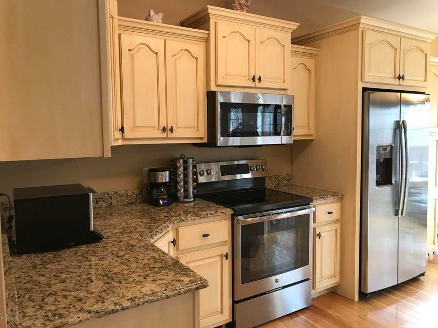 Additional photo for property listing at 2850 Axton Lane 2850 Axton Lane Goshen, Kentucky 40026 United States