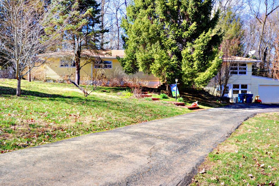 Single Family Home for Sale at 212 Elm Avenue 212 Elm Avenue Pewee Valley, Kentucky 40056 United States