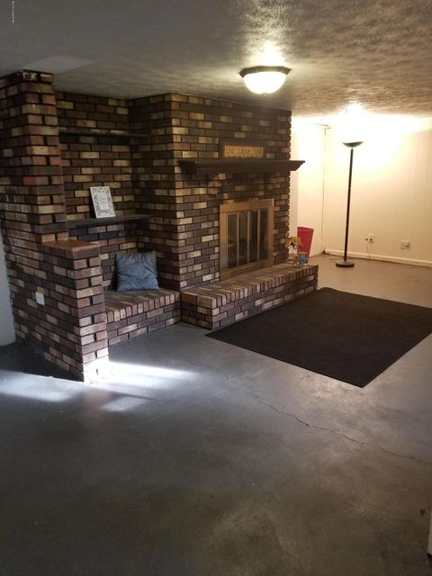 Additional photo for property listing at 5208 Cynthia Drive 5208 Cynthia Drive Louisville, Kentucky 40291 United States