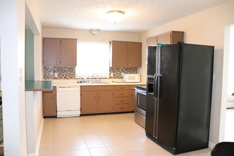 Additional photo for property listing at 4008 Cutlass Court 4008 Cutlass Court Louisville, Kentucky 40229 United States