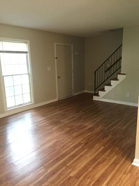 Additional photo for property listing at 418 W Hill Street 418 W Hill Street Louisville, Kentucky 40208 United States