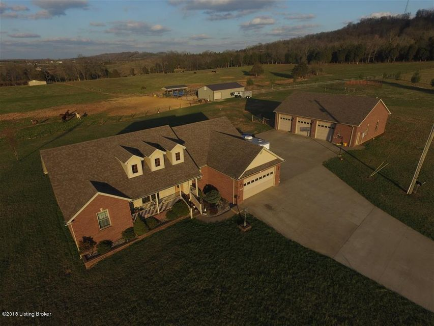 Single Family Home for Sale at 624 Horn Road 624 Horn Road Cecilia, Kentucky 42724 United States