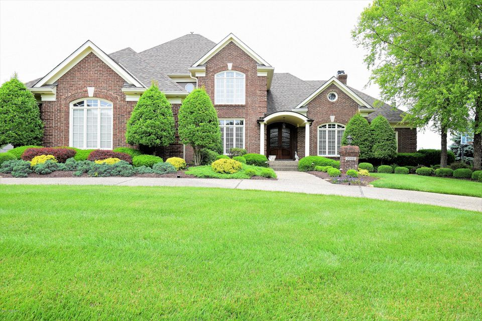 Single Family Home for Sale at 2008 Fairway Vista Drive 2008 Fairway Vista Drive Louisville, Kentucky 40245 United States