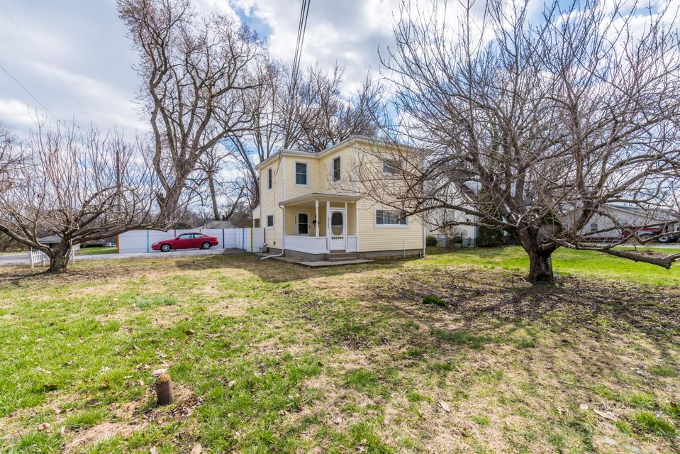 Single Family Home for Sale at 2744 Cleveland Blvd 2744 Cleveland Blvd Louisville, Kentucky 40206 United States