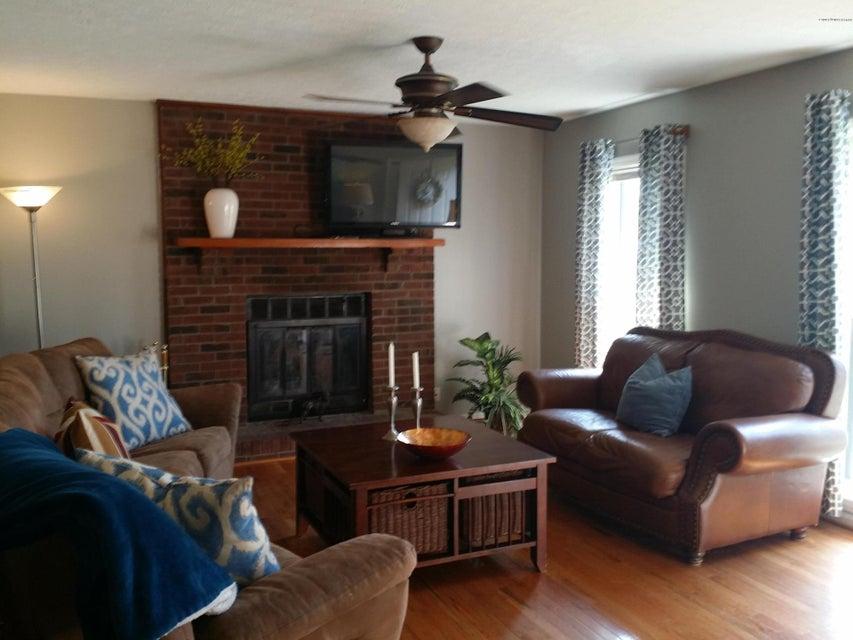 Additional photo for property listing at 11912 Springmeadow Lane 11912 Springmeadow Lane Goshen, Kentucky 40026 United States