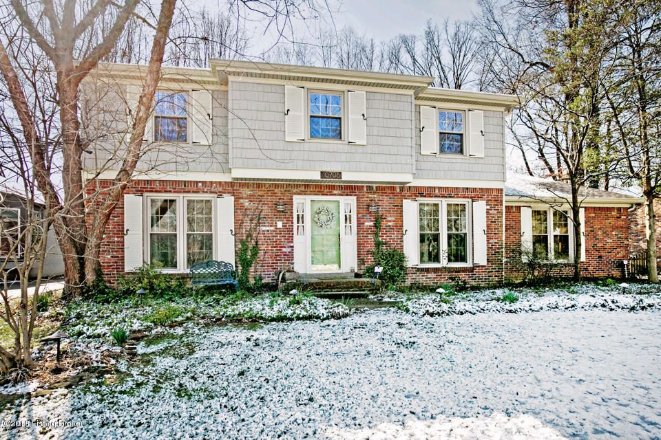 Single Family Home for Sale at 10706 Linn Station Road 10706 Linn Station Road Louisville, Kentucky 40223 United States