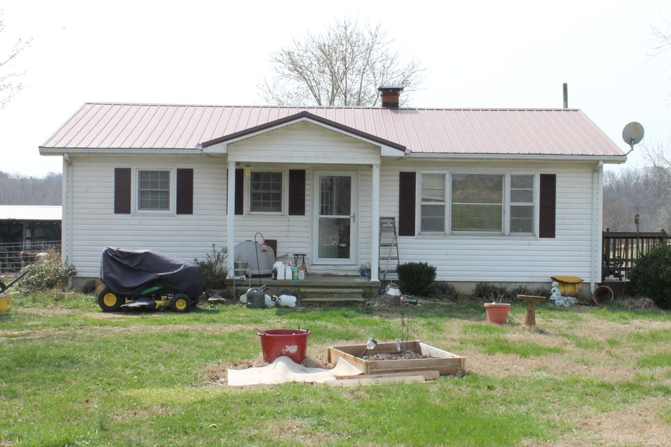 Single Family Home for Sale at 500 Olk England Road 500 Olk England Road Columbia, Kentucky 42728 United States