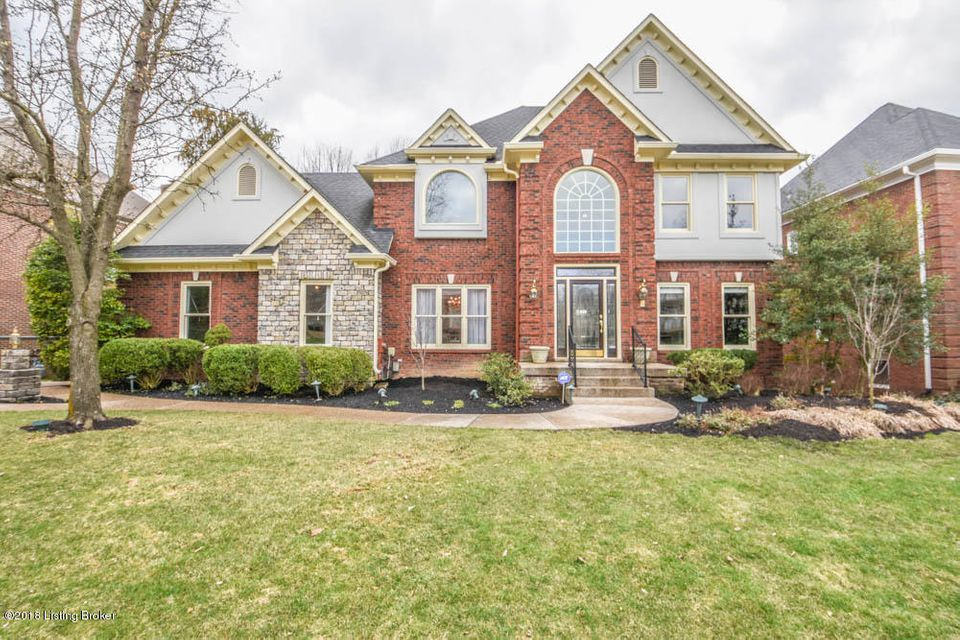 Single Family Home for Sale at 14800 Forest Oaks Drive 14800 Forest Oaks Drive Louisville, Kentucky 40245 United States
