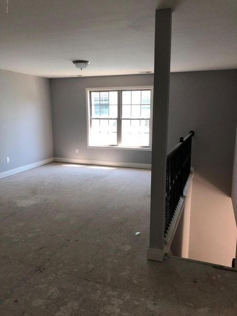 Additional photo for property listing at 701 Urton Woods Way 701 Urton Woods Way Louisville, Kentucky 40243 United States