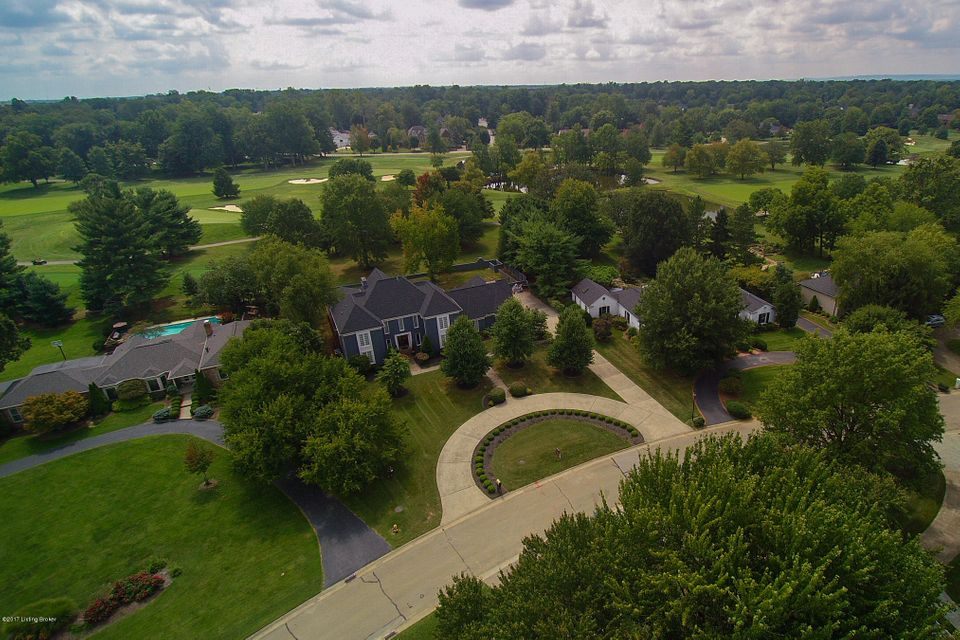 Single Family Home for Sale at 8902 Denington Drive 8902 Denington Drive Louisville, Kentucky 40222 United States