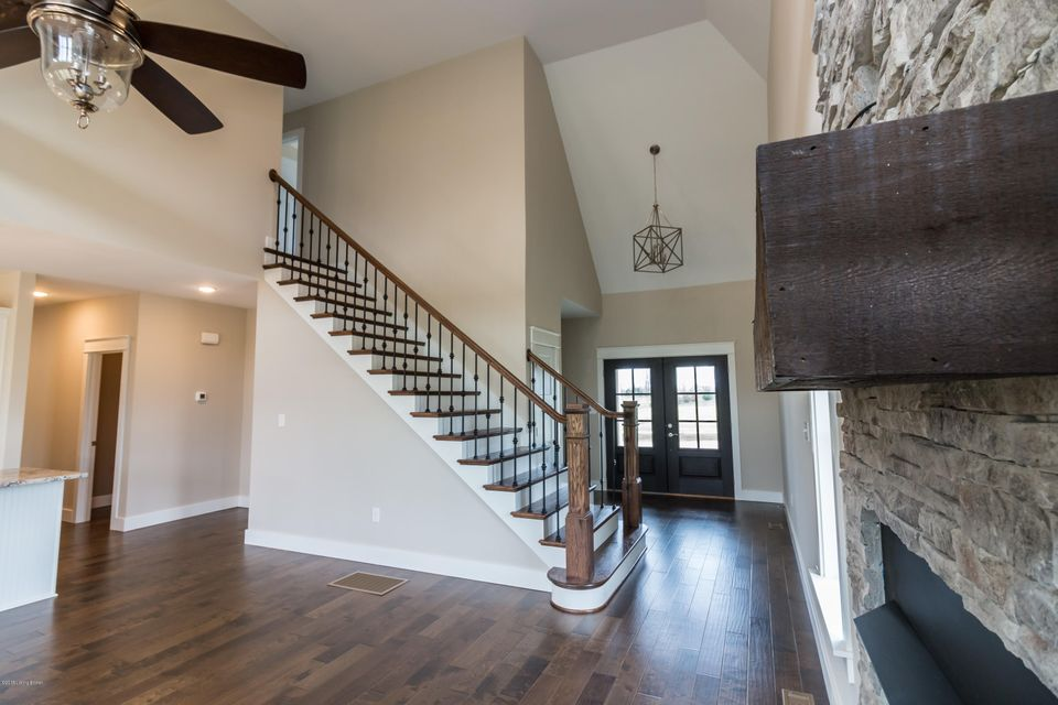 Additional photo for property listing at 1013 Windsor Drive 1013 Windsor Drive Shelbyville, Kentucky 40065 United States