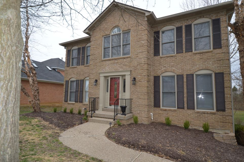 Single Family Home for Sale at 1311 Crosstimbers Drive 1311 Crosstimbers Drive Louisville, Kentucky 40245 United States