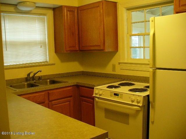 Additional photo for property listing at 206 Ridgeway Avenue 206 Ridgeway Avenue Louisville, Kentucky 40207 United States