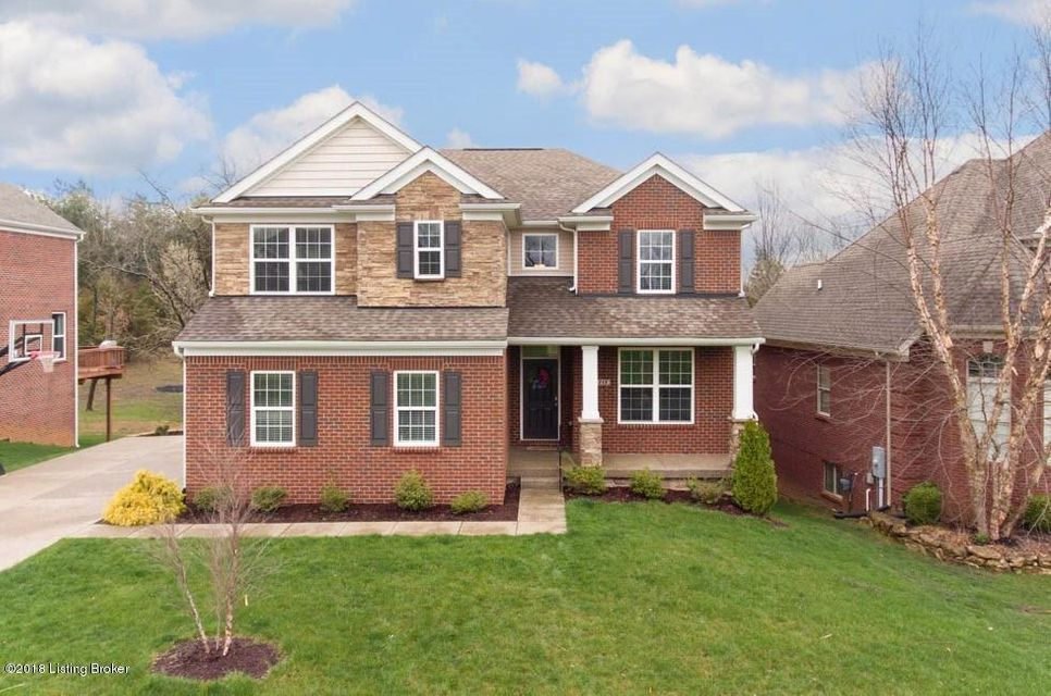Single Family Home for Sale at 1717 Crosstimbers Drive 1717 Crosstimbers Drive Louisville, Kentucky 40245 United States