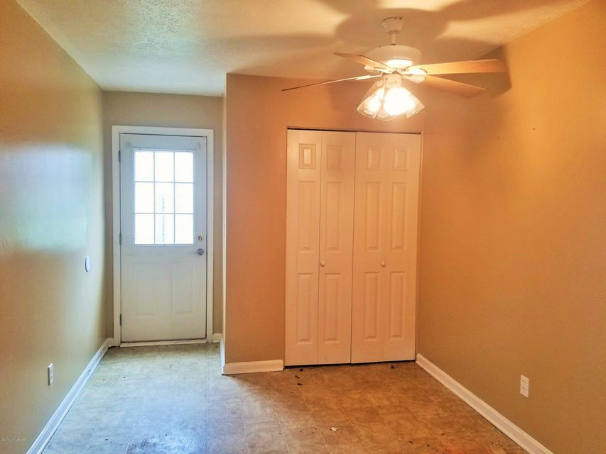 Additional photo for property listing at 4816 Tipton Place 4816 Tipton Place Louisville, Kentucky 40272 United States
