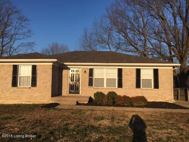 Single Family Home for Rent at 7804 Texlyn Court 7804 Texlyn Court Louisville, Kentucky 40258 United States