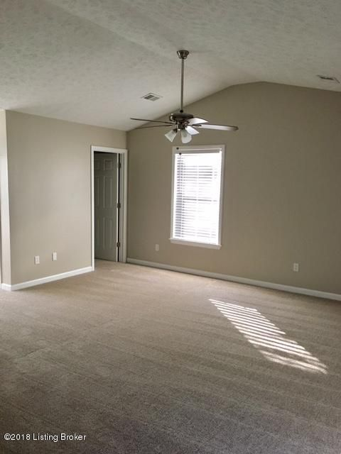 Additional photo for property listing at 4724 Granada Drive 4724 Granada Drive Louisville, Kentucky 40272 United States