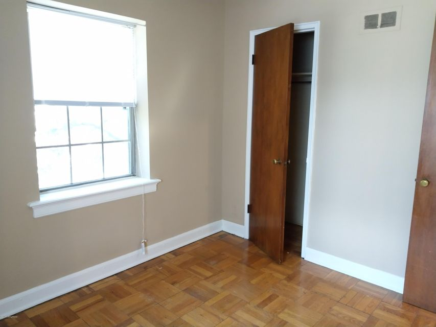 Additional photo for property listing at 2201 Cherokee Pkwy 2201 Cherokee Pkwy Louisville, Kentucky 40204 United States