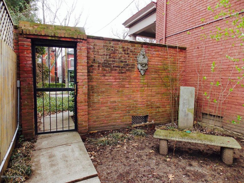Additional photo for property listing at 1368 S 2nd Street 1368 S 2nd Street Louisville, Kentucky 40208 United States