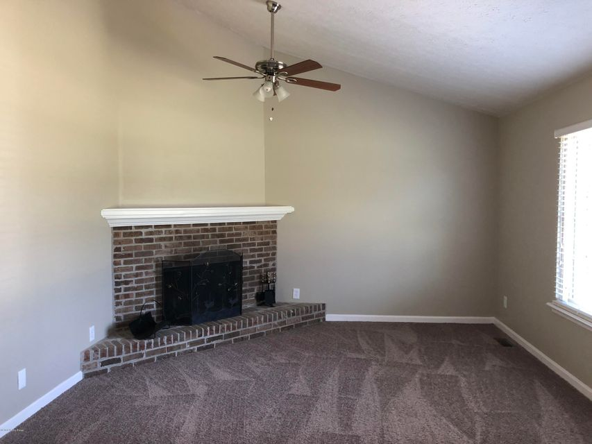 Additional photo for property listing at 8611 Glaser Lane 8611 Glaser Lane Louisville, Kentucky 40291 United States