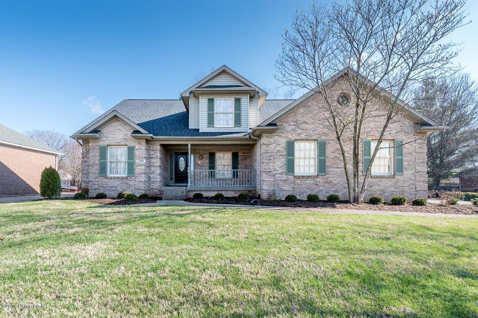 Single Family Home for Sale at 1107 Bentwood Place Court 1107 Bentwood Place Court Louisville, Kentucky 40207 United States
