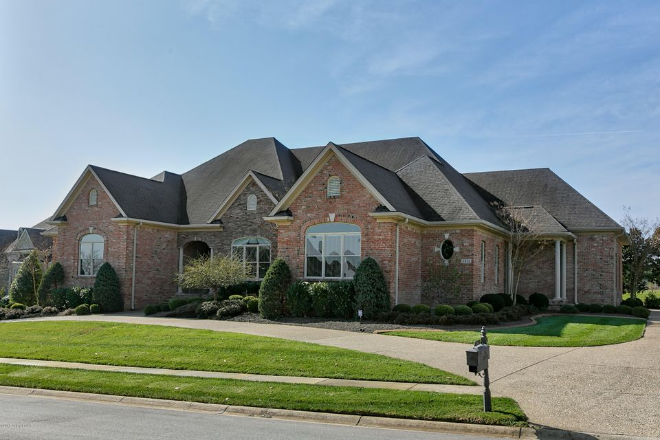 Single Family Home for Sale at 2322 Arnold Palmer Blvd 2322 Arnold Palmer Blvd Louisville, Kentucky 40245 United States