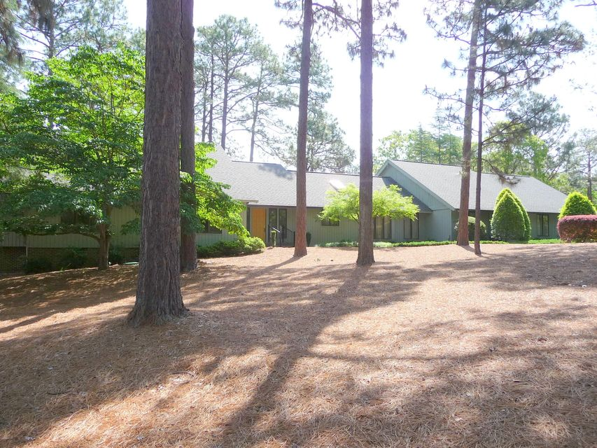 215 Quail Hollow Drive, Pinehurst, NC 28374