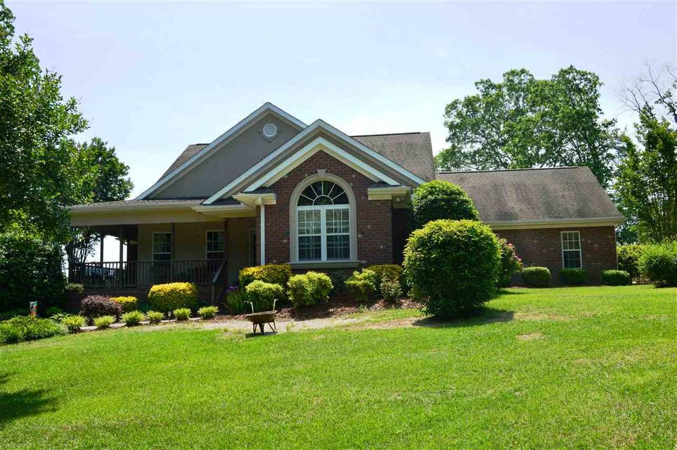 180 Breezy Pines Lane, Carthage, NC 28327