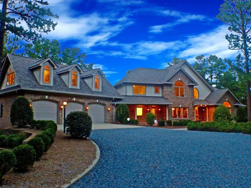 134 Lawrence Overlook, Seven Lakes, NC 27376