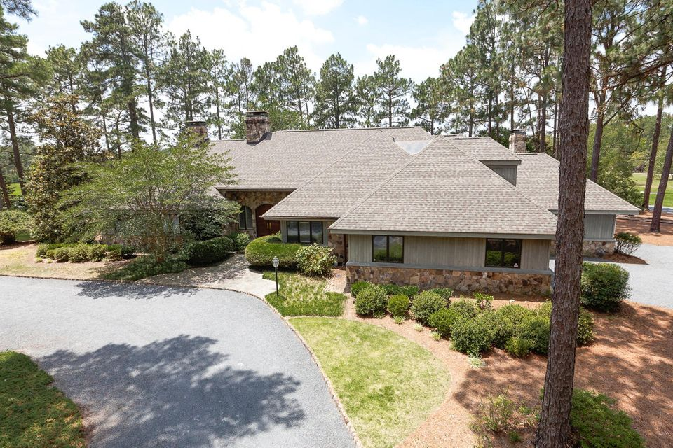2596 Youngs Road, Vass, NC 28394