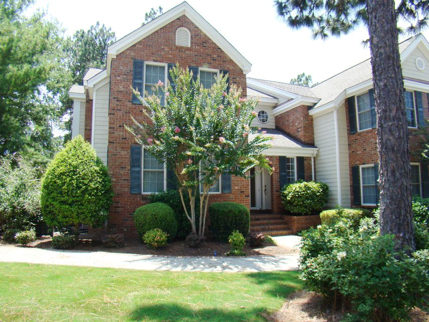 1221 Sandmoore Drive, Southern Pines, NC 28387