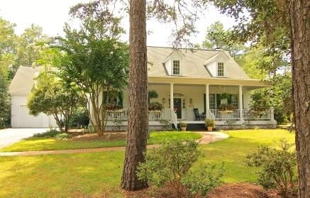 Photo of home for sale at 110 Mccaskill E, Pinehurst NC