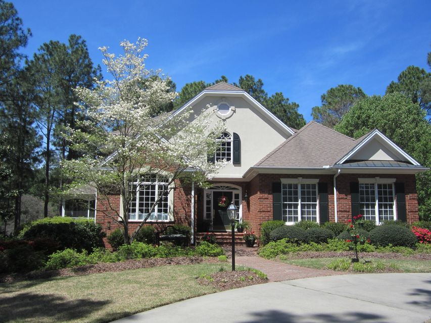 8 Augusta Drive, Southern Pines, NC 28387