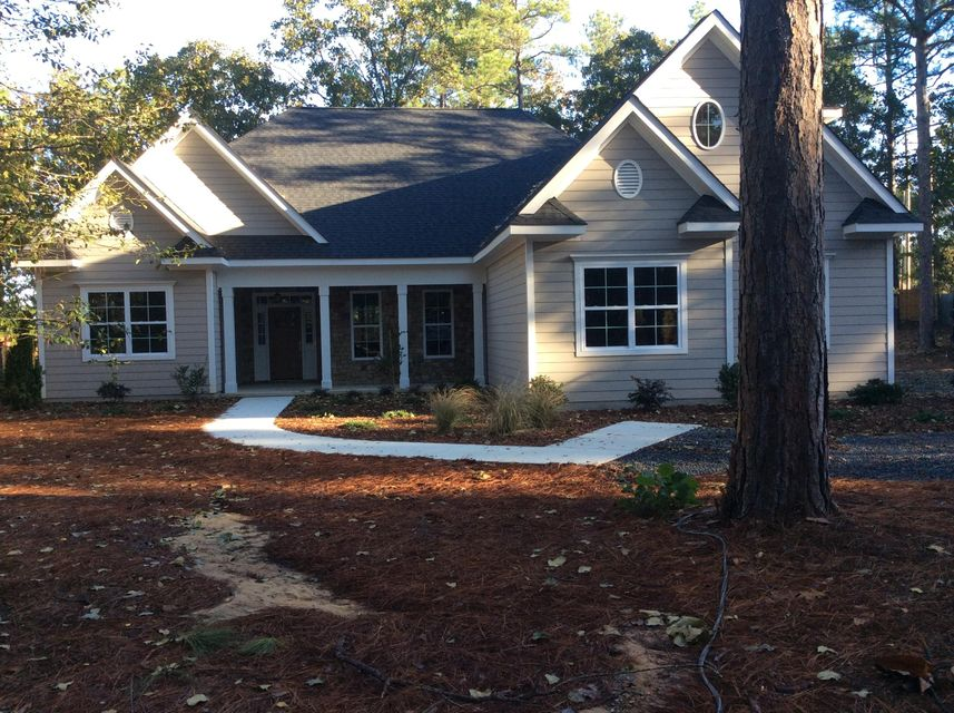 4 Travis Lane, Pinehurst, NC 28374