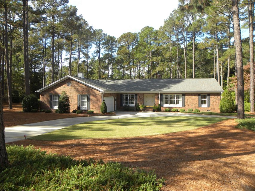 1 Travis Lane, Pinehurst, NC 28374